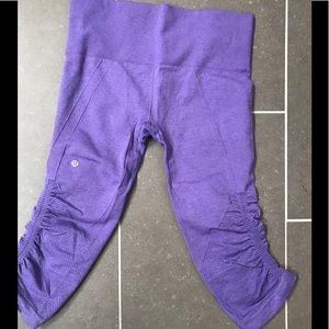Lululemon Ebb and Flow cropped leggings